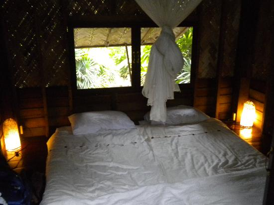 Naga Hill Resort: our bed