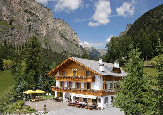 Hotel Val: La casa d'estate, Hausansicht Sommer, our house in summer