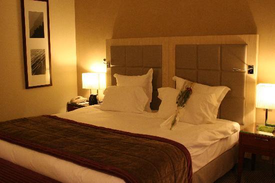 Hilton Evian-les-Bains: trés grand lit