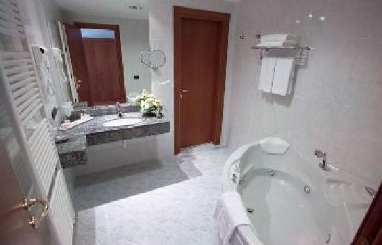 Best Western Hotel Cavalieri: Jacuzzi Junior Suite