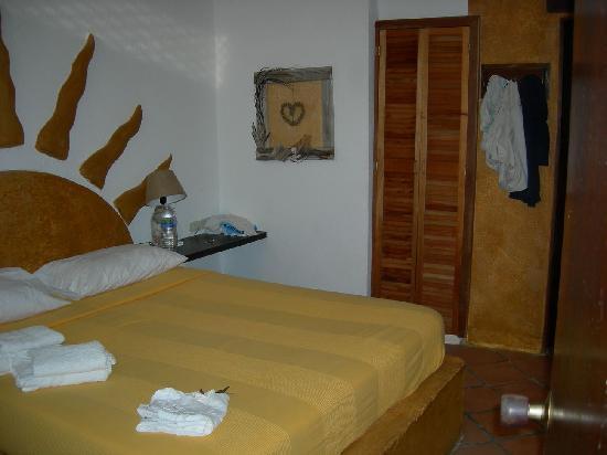 Posada La Movida: habitacion