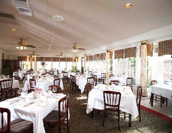 Fairview Inn: Sophia's Restaurant
