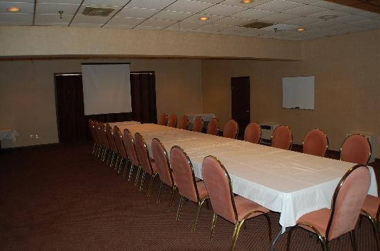 Houlton, ME: SMALL BANQUET ROOM