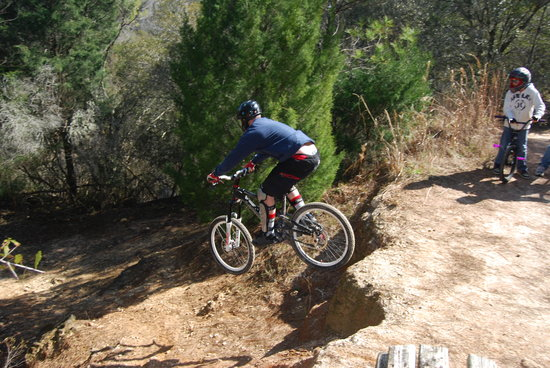 "Santos - Belleview Trail: a cool dude going off a ""small"" cliff"