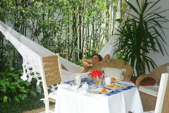 Vivenda Paraty: Terrasse du bungalow/petit dej