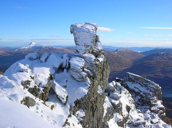 Burnbrae Bed and Breakfast : Some mad people go up there!
