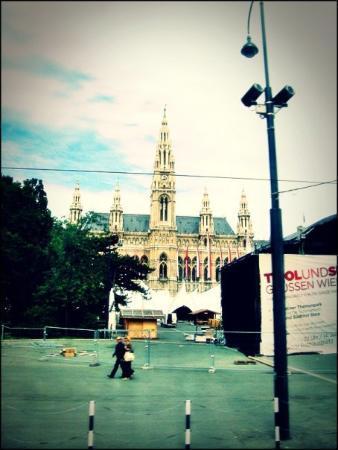 Rathaus (det nye rådhuset): Vienna, Austria my favorite place <3 u must see it in Christmas time!