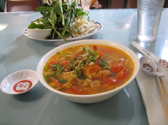 Pho 97: Spicy crab soup