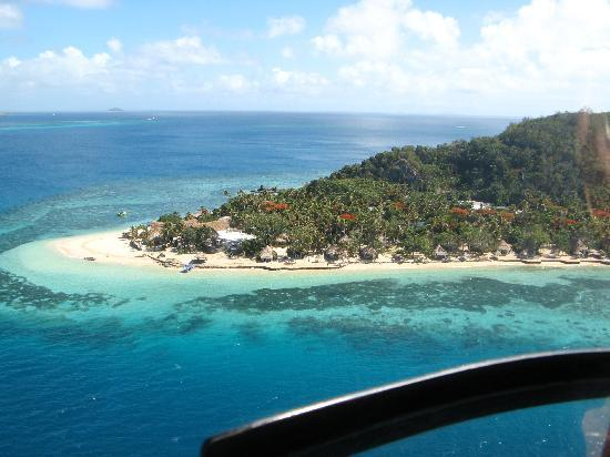 Castaway Island Fiji: Helicopter shot of Castaway Island