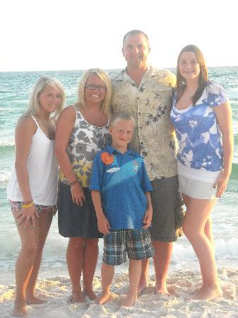 Majestic Beach Towers : June 2009 Family Pic