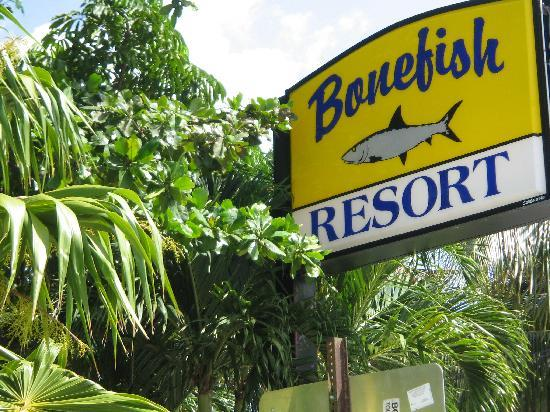 Bonefish Resort : Frontage