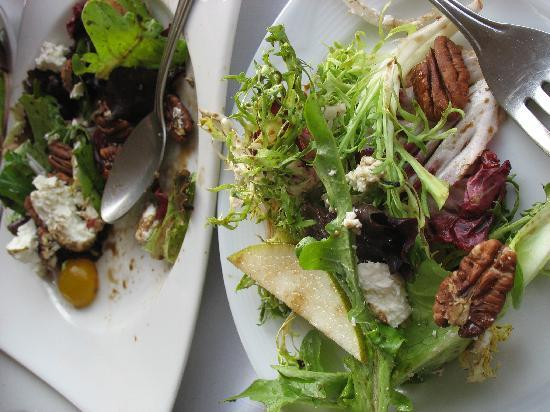 Barcelona Tapas: yummy salad with goat cheese