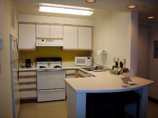 Residence Inn Portland Hillsboro: Kitchen