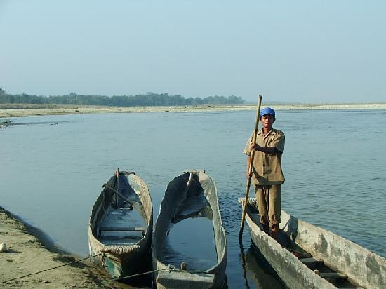 Chitwan Jungle Lodge: Activities - Canoe Ride