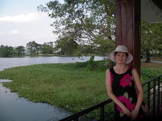 Inya Lake Hotel, Yangon : Hotel Grounds