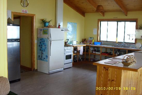 Bridport Seaside Lodge: Kitchen area
