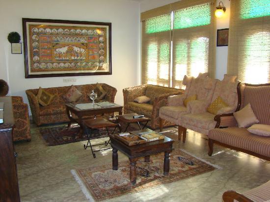 Shanti Home: The 2nd Floor Lounge