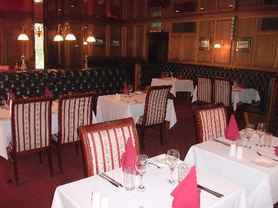 Adelaide Inn: Snooty Fox restaurant & dining room