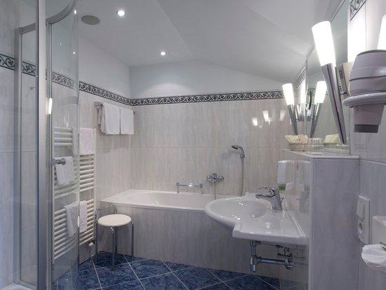 Seebockenhotel Zum Weissen Hirschen: Badezimmer ausgestattet mit allem Komfort