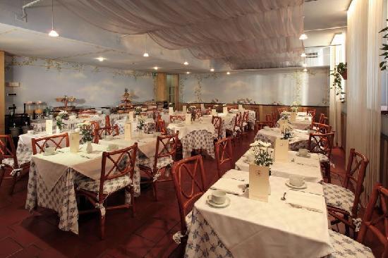โรงแรมซานปิ มิลาโน: Breakfast room