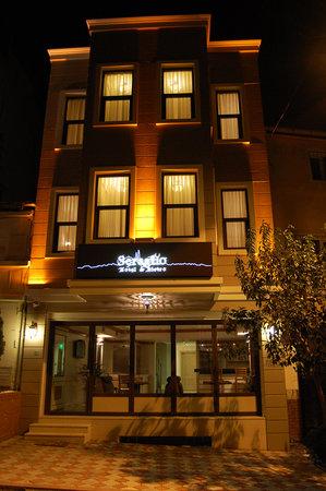 Hotel Seraglio: Der Eingangsbereich und die wunderschöne Außenfassade !!!