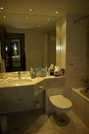 Millennium & Copthorne Hotels at Chelsea Football Club: Bagno