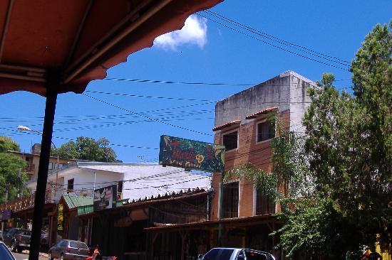 Timbo Hostel y Posada: facciata