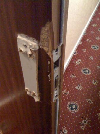 Grosvenor Hotel: The door handle after four days of use.