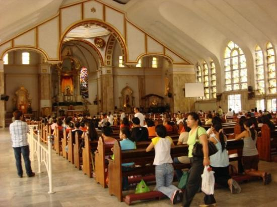 Inside Quiapo Church, Manila ,,, this was a huge place when I was little ... now it's small!