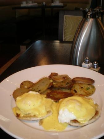 Breakfast at the 606 Congress restaurant at the Renaissance Hotel is a Culinary experience...