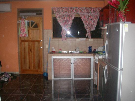 Playa Luna Apart Hotel : Our kitchen.