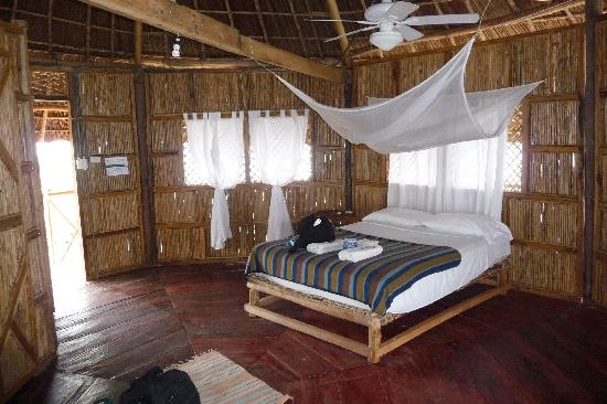 Yandup Island Lodge: Inside our room