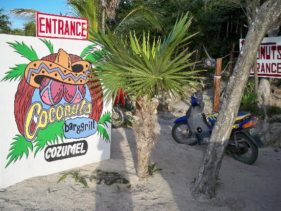 Hotel Cozumel and Resort: Highly recommend stopping here for a drink