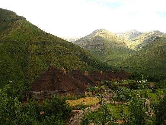 Maliba Mountain Lodge: View of the lodges