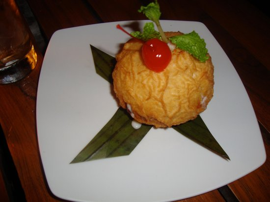Thai Lounge: fried ice cream