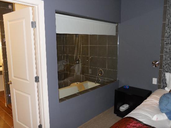Casulo Hotel: bathroom view