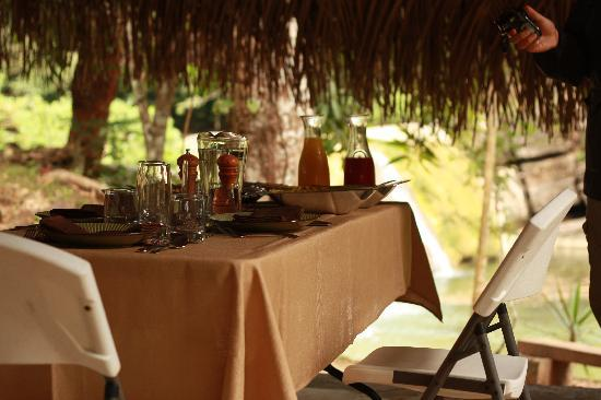 Copal Tree Lodge, a Muy'Ono Resort: Picnic by Chef Ken from Machaca Hill