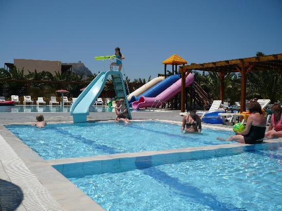 Children swimming pool picture of stella village hotel bungalows analipsi tripadvisor for Best hotel swimming pools for kids
