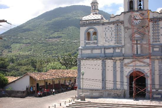 Amapala, Honduras: La Iglesia Parque Central