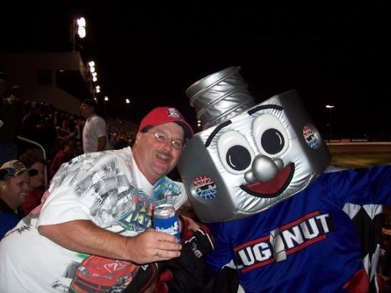 Brett lugnut lowes motorspeedway 39 s mascot picture of for Lowes motor speedway christmas lights