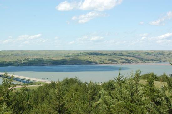 Chamberlain (SD) United States  city photos : Chamberlain, South Dakota. Crossing the Missouri River. Picture of ...
