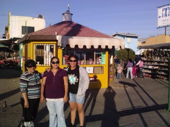 The Fish Market: Tia, Roxy y Keyla