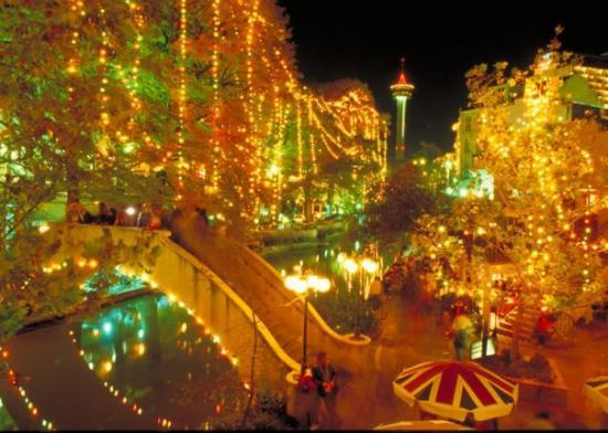 Going to San Antonio to see the Christmas lights! They are so ...