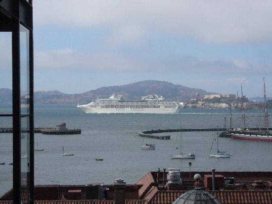 Fairmont Heritage Place, Ghirardelli Square: Bay View from our unit