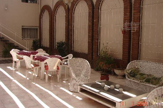 Garden Hotel: Main Patio