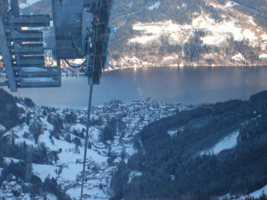 Zell am See, Østerrike: going down in cable car