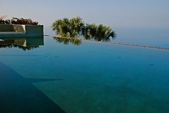 Horizon Guest House : pool