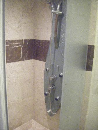 Ocean Spa Hotel: ducha muy buena