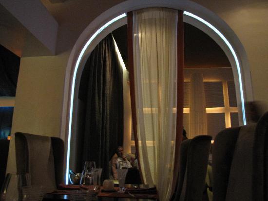 Marmalade Restaurant & Wine Bar : booth seating