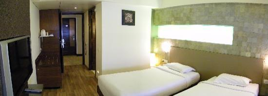 The Monarch Luxur: Executive Rooms